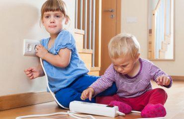 Çocuklara Evdeki Tehlikelerden Korunmayı Öğretmek
