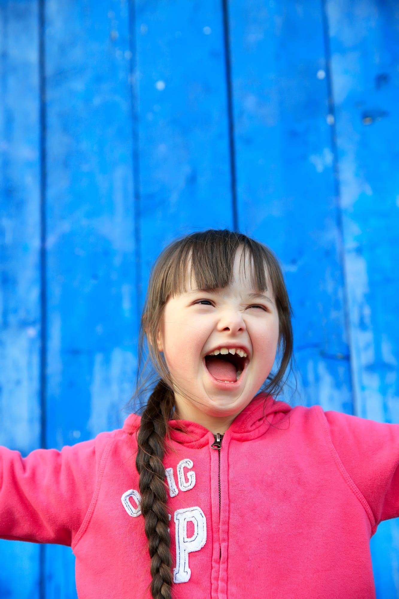 Otizmli çocuklarda olası belirtiler, İLK EVİN - Özel Eğitim ve Rehabilitasyon Merkezi