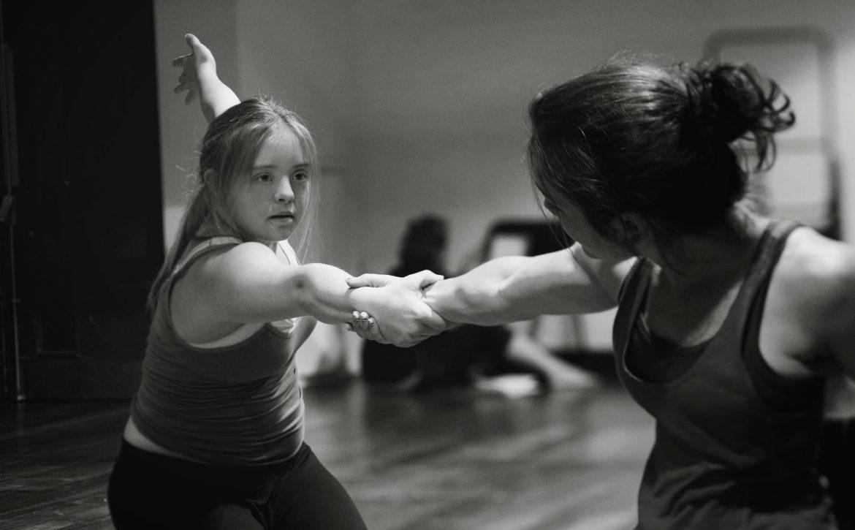 Down Sendromlu Dans Öğretmeni