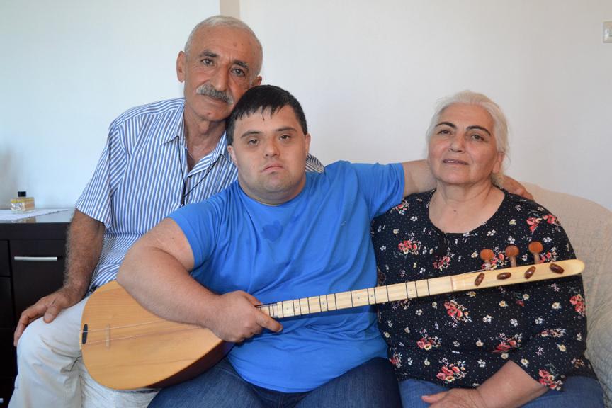 Down sendromlu Çağatay Aras'ın müzik serüveni, İLK EVİN - Özel Eğitim ve Rehabilitasyon Merkezi