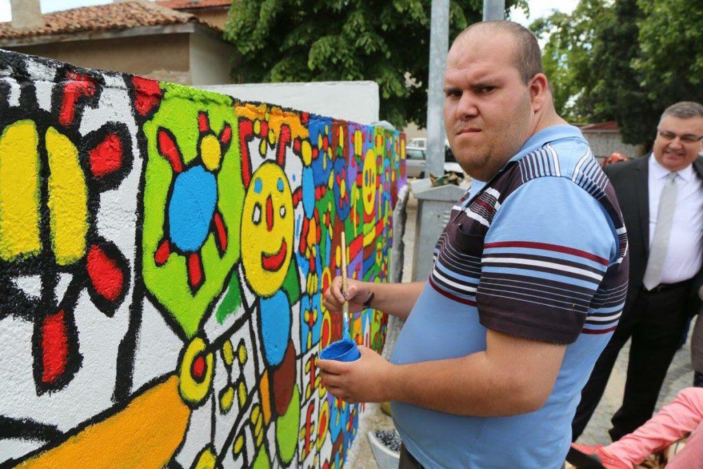 Engelleri Aşan Ressam Muhammed Yalçın'ın Hikayesi